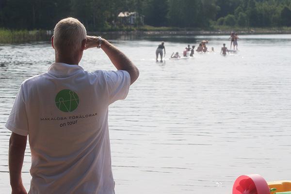 Ensamstående föräldrar och barn på sommarläger